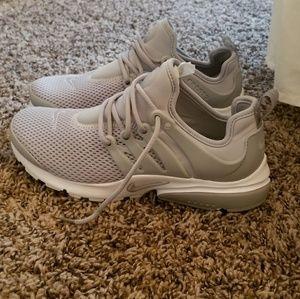 NWOT Nike Air Presto women's tennishoes